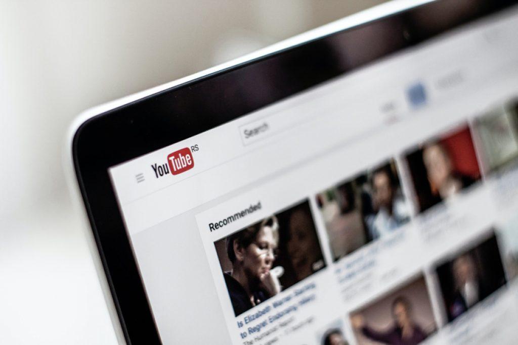 лучшие сайты для бесплатного просмотра фильмов - YouTube